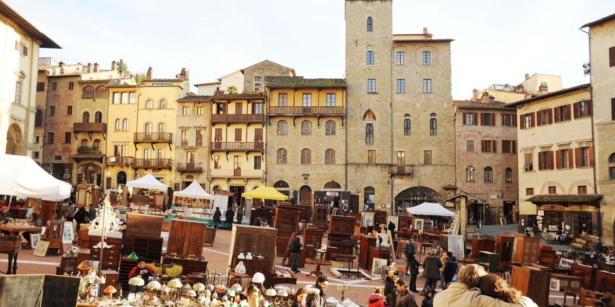 Antiquaria-Arezzo-Piazza-Grande